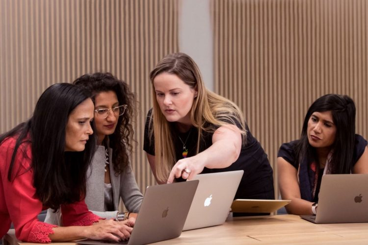 Call for Applications for Female Founders and Developers in the Apple Entrepreneur Camp 2021(Ages 18 or older)