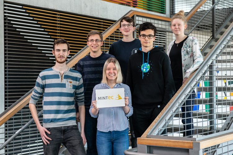 Call for applications for Graduate Students and Young Professionals to the Boysen-TU Dresden 1st Mobility in Transition Summer School 2021.