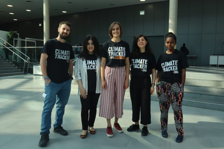 """Call for Journalists in South America by Climate Tracker for the """"Defenders of the Territory"""" Project 2021 (Ages 18-35)"""